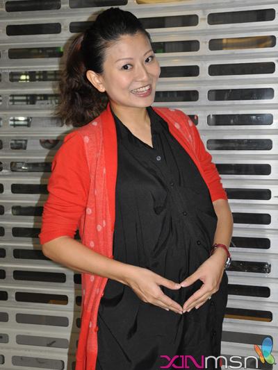 怀孕7个月的林翠芳还是和往常一样嘻嘻哈哈,想必生下的宝宝也会和她一样开朗。